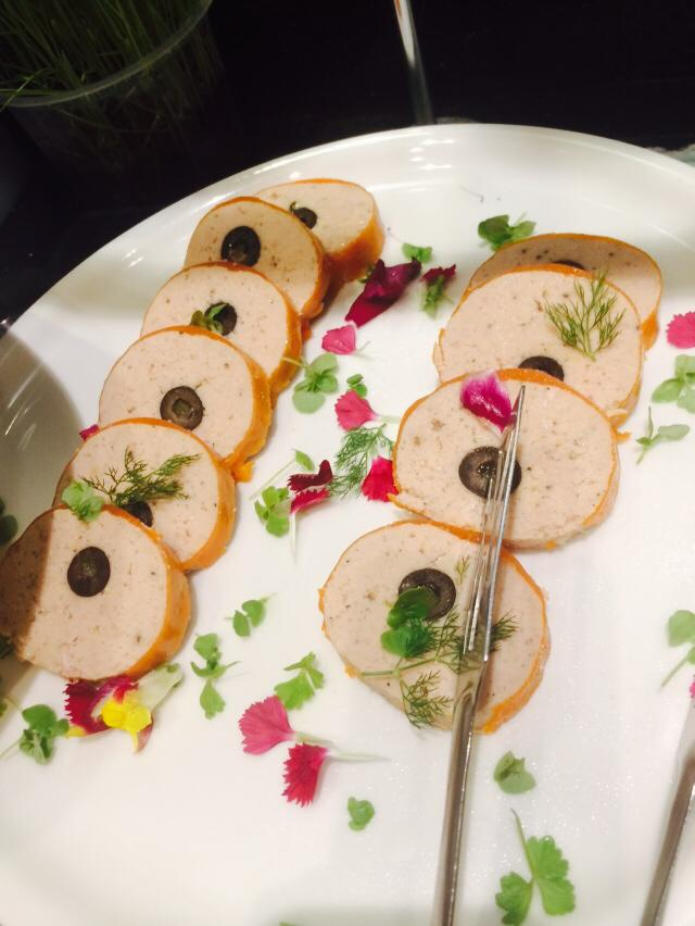 chicken-and-olive-roulade
